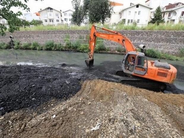 بستر رودخانه تلار در شهر زیراب بازگشائی شد