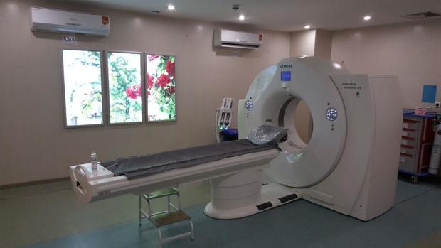 بهره برداری از بخش آنژیوگرافی بیمارستان قلب فرشچیان همدان با حضور وزیر بهداشت