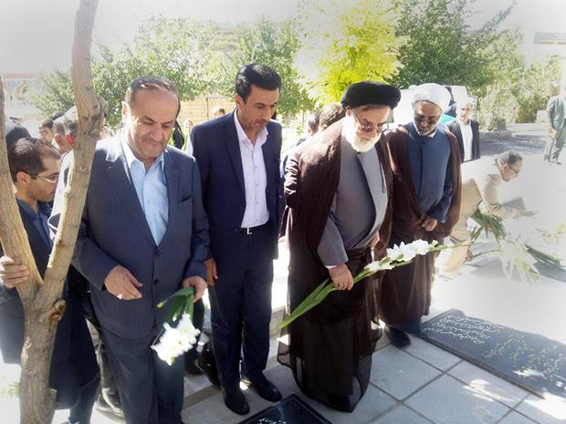 ساماندهی 12 هزار گلزار شهید در کشور