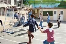 سرانه  فضای ورزشی آموزش و پرورش 33 صدم مترمربع است