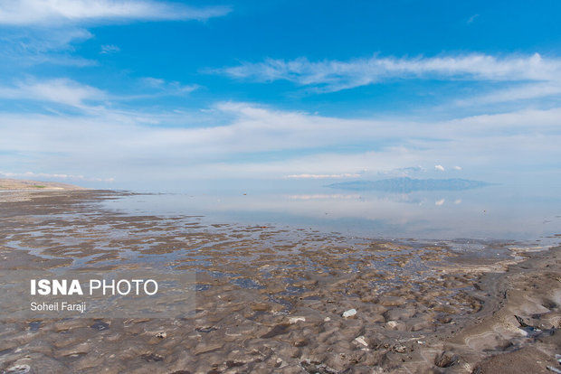 اجرای پروژه های آبرسانی؛ راهکار کاهش تبخیر آب دریاچه ارومیه