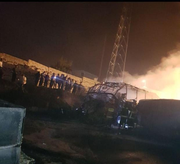 برخورد تانکر عراقی با اتوبوس در سنندج/ تعدادی اتومبیل شخصی هم در اثر انفجار سوختند / منابع محلی از کشته شدن 20 نفر خبر می دهند/ اورژانس آمار تلفات را تایید نکرده است+ عکس و فیلم