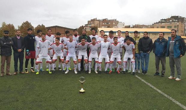 شهرداری همدان جواز حضور در فوتبال جوانان کشور را کسب کرد