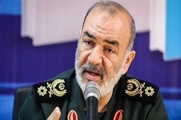 ایران برای مقابله با هر تهدیدی بر قدرت نظامی خود می افزاید