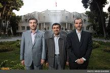 احمدی نژاد و مشایی به نمایندگی از بقایی در انتخابات ثبت نام میکنند