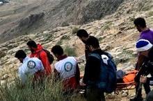 نجات زن 50 ساله سرگردان در ارتفاعات طاقبستان