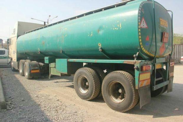 بیشاز ۴۷ هزار لیتر نفتگاز از سه دستگاه خودروی سنگین در زابل کشف شد