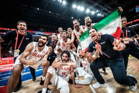 تیم ملی بسکتبال به تهران رسید + عکس