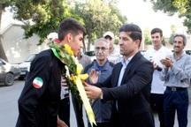 رکوردار دو ومیدانی ایران مورد استقبال جامعه ورزش قرار گرفت