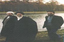 ابراهیم یزدی در کنار امام خمینی و آیت الله شهاب الدین اشراقی + تصویر