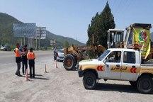 راهداران گلستان به روان سازی ترافیک روز طبیعت کمک می کنند