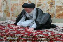 آیت الله شبیری زنجانی بر سر مزار پدرش + عکس
