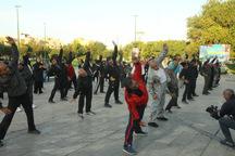 ورزش همگانی در پارک هشت بهشت قزوین برگزار شد