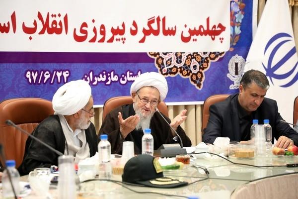 لزوم انتقال دستاوردهای انقلاب اسلامی به نسل امروز