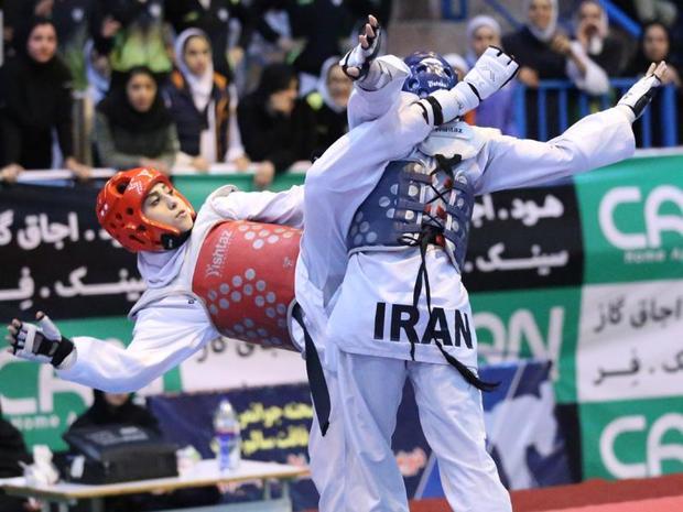 مسابقات تکواندو قهرمانی آزاد بانوان استان یزد در تفت آغاز شد