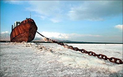 خشکی دریاچه ارومیه مساوی با خطر افتادن جان 14 میلیون نفر است