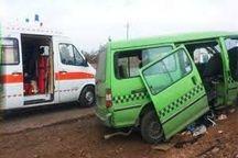 واژگونی خودرو ون هشت نفر را مصدوم کرد