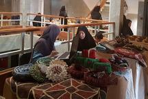 نمایشگاه صنایع دستی در اداره اقتصاد و دارایی قزوین برپا شد