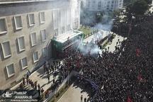 عکس/ حمله معترضان به دفتر نخست وزیر آلبانی