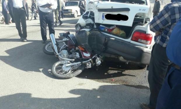 برخورد موتورسیکلت با سه خودرو، یک کشته و 6 مصدوم بر جا گذاشت