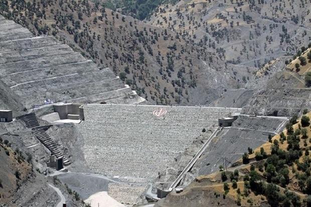 مسوولان نسبت به کاهش تراز آب سد سردشت هشدار دادند