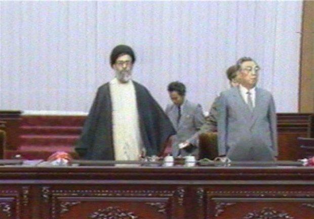عکسی قدیمی از رهبر معظم انقلاب در کره شمالی