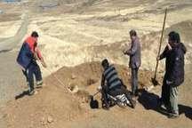 نجات یک قلاده گرگ از درون چاله در روستای نران سنندج