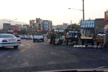 معضل وانت های فروش سیار میوه در معابر سنندج   شورای ترافیک تدبیر کند