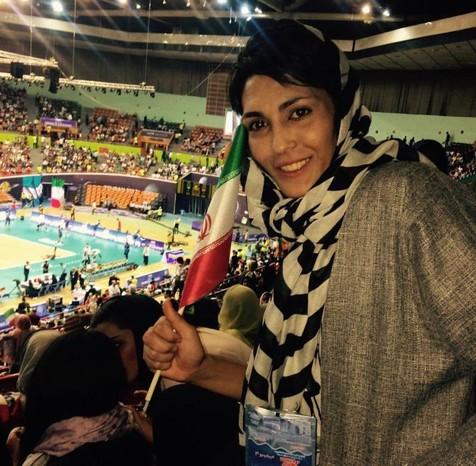 تصویری از الهه منصوریان در استادیوم آزادی