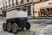 آزمایش ربات پستچی و پیک غذا در لندن
