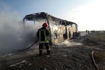 آتشسوزی در اتوبوس مسافربری  فرار سرنشینان از مهلکه  نقص فنی علت حادثه