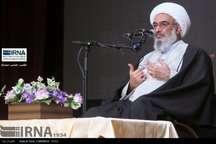 امام جمعه بوشهر: باید براساس بصیرت از انقلاب و نظام اسلامی دفاع کرد