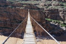 پل معلق بین دره شهر و پلدختر فرو ریخت