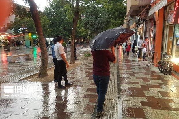 بارش باران هوای کردستان را تلطیف کرد