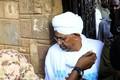 اولین حضور عمر البشیر در انظار عمومی پس از سرنگونی اش+ تصاویر