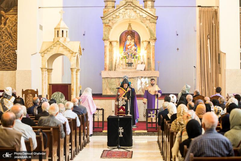 مراسم بزرگداشت امام خمینی(س) در کلیسای «سرکیس مقدس»