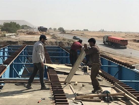 پل ارتباطی جاده امیدیه -دیلم در آخرین گام احداث است