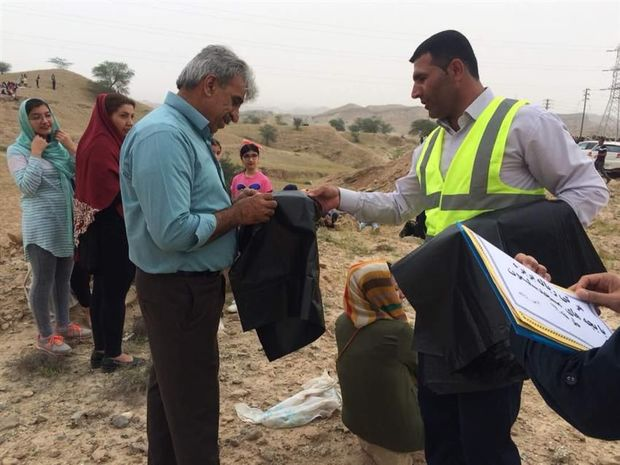 توزیع ۱۰هزار کیسه زباله و بروشور آموزشی بمناسبت روز طبیعت در خوی