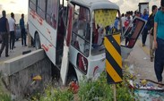 اتوبوس واحد در بزرگراه امام علی (ع) چپ کرد