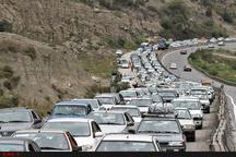 آخرین وضعیت ترافیکی محورهای مواصلاتی کشور  ترافیک نیمهسنگین در محور آمل- تهران