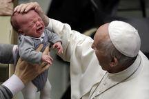 عکس/ گریه مقابل پاپ