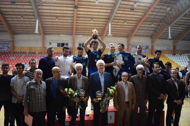 گلفام ترقی بر سکوی قهرمانی جام رمضان والیبال ارومیه ایستاد