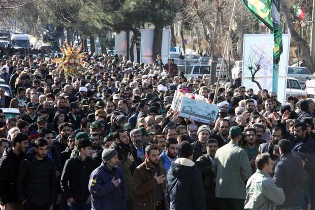 پیکر شهید عباس معظمی در بروجرد به خاک سپرده شد