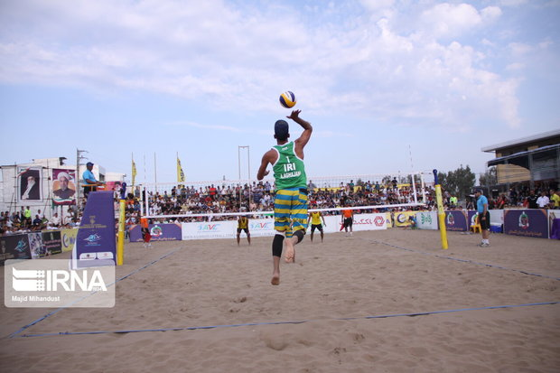 مسابقات والیبال ساحلی کارگران کشور در آققلا آغاز شد