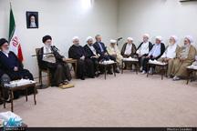 رهبر معظم انقلاب: مجمع تشخیص مصلحت نظام باید انقلابی، فکر و عمل کند و انقلابی باقی بماند/ آقای هاشمیرفسنجانی در سالهای متمادی ریاست مجمع با توانایی و تدبیر و آگاهی به وظایف خود عمل میکرد