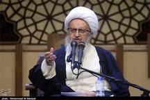 آیتالله مکارم شیرازی حمله وحشیانه به دو کلیسای مسیحیان را محکوم کرد