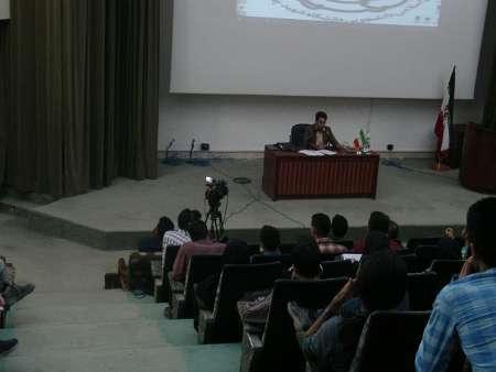 یک فعال دانشجویی: شکاف بین نخبگان دانشگاهی با مسئولان از مشکلات دولت های نهم و دهم