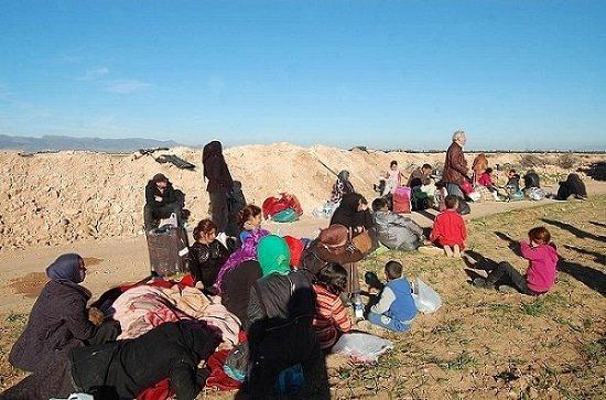 الجزایر به خانوادههای سوری درمانده در مرزها پناهندگی داد