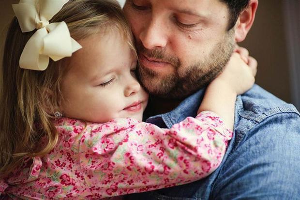 آیا تذکر دادن، کودکانمان را از خطر آسیب احتمالی افراد غریبه در امان میدارد؟