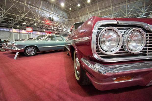 نمایشگاه خودروهای کلاسیک و مدرن در اصفهان گشایش یافت